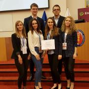 studenci SUM z dyplomem za zajęcie drugie miejsca podcza Ogólnopolskiej Studenckiej Konferencji Kardiologicznej w Gdańsku