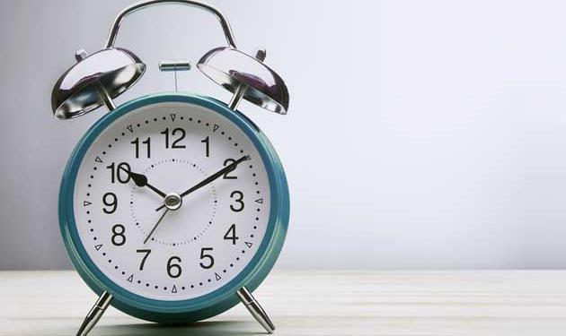 zegar w stylu retro